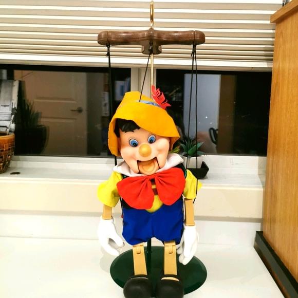 pinnochio marionette 21 inches sings dances